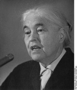 Anna Seghers    Quelle: Bundesarchiv, Bild 183F01140204003  Hochneder, Christa  CC BY SA