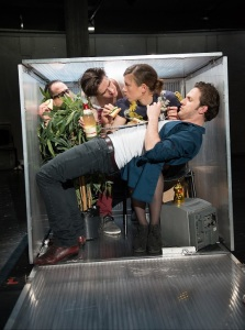 """Kurze Interviews mit fiesen Männern"" am Schauspielhaus Bochum   Foto: Diana Küster"