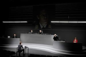 """""""Terror"""" am Düsseldorfer Schauspielhaus Foto: Sebastian Hoppe"""